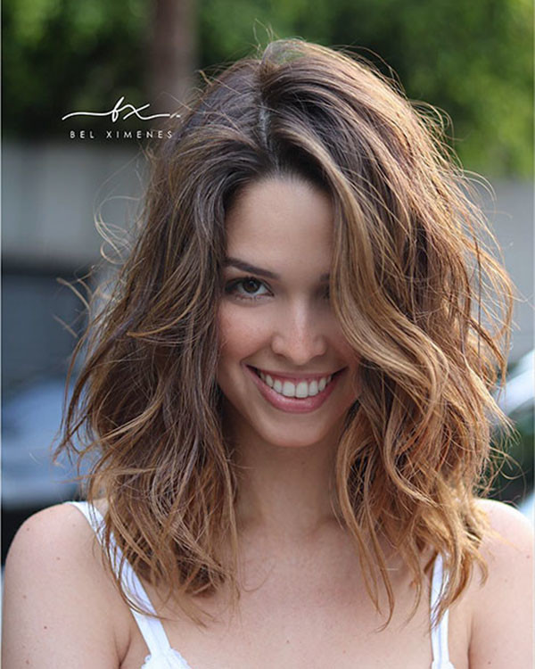 Medium-Short-Wavy-Hair Popular Short Wavy Hairstyles 2019