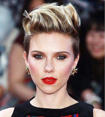 Mohawk-Hairstyle Scarlett Johansson Short Hairstyles