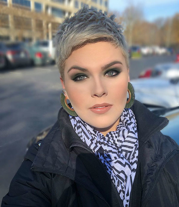 Short-Blonde-Pixie-Hair Best Pixie Cut 2019