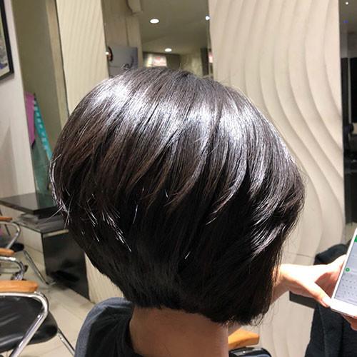 Short-Layered-Bob-Haircut Short Layered Haircuts 2018 – 2019