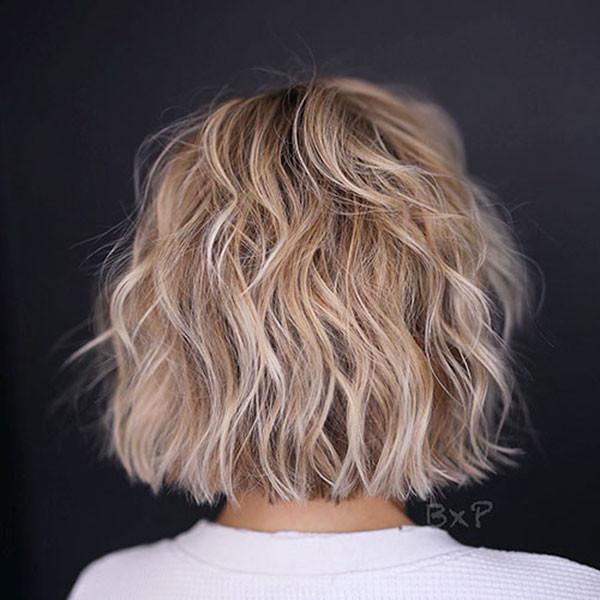 Short-Layered-Hair-1 Popular Short Wavy Hairstyles 2019