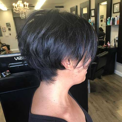 Short-Layered-Hairstyle-with-Bangs Charming Stacked Short Haircuts for Women