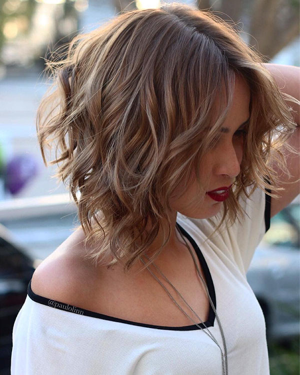 Short-Layered-Hairstyles Popular Short Wavy Hairstyles 2019