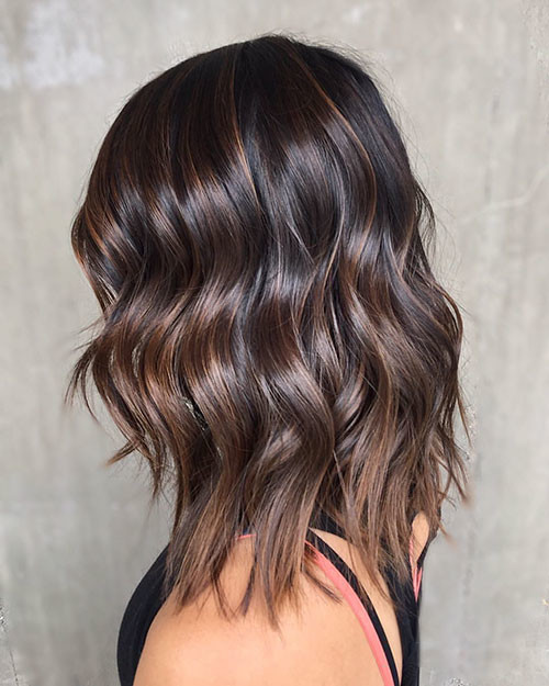 Short-Layered-Wavy-Hair Popular Short Haircuts 2018 – 2019