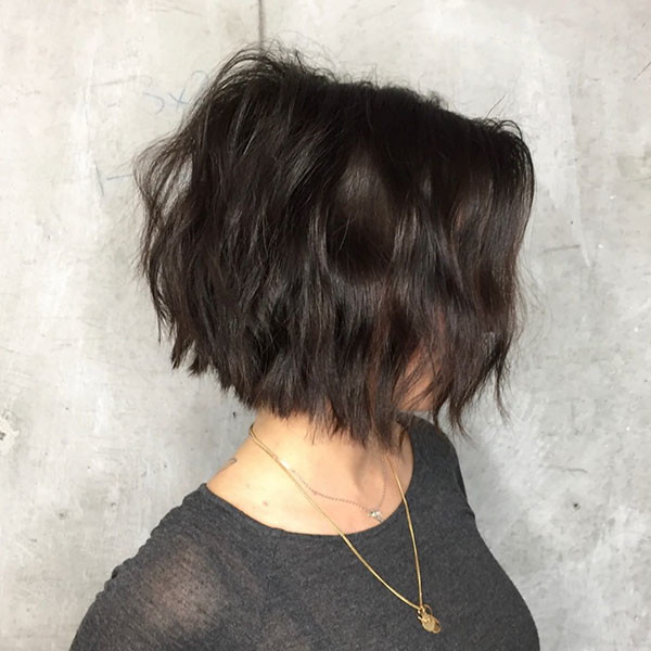 Short-Wavy-Bob-Hairstyle Best New Bob Hairstyles 2019