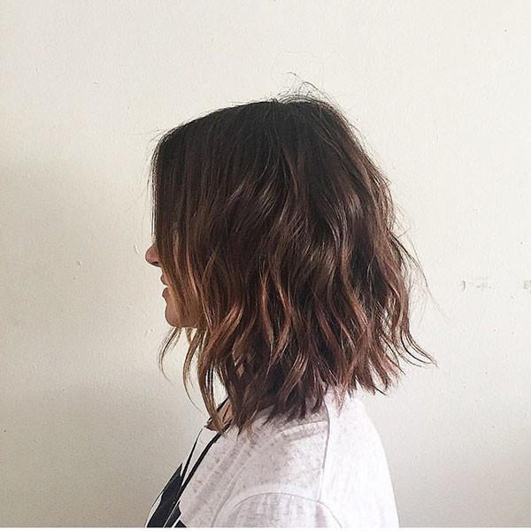 Short-Wavy-Brunette-Hair Popular Short Wavy Hairstyles 2019