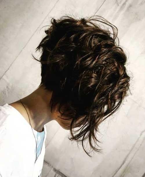 Short-Wavy-Haircut Charming Stacked Short Haircuts for Women