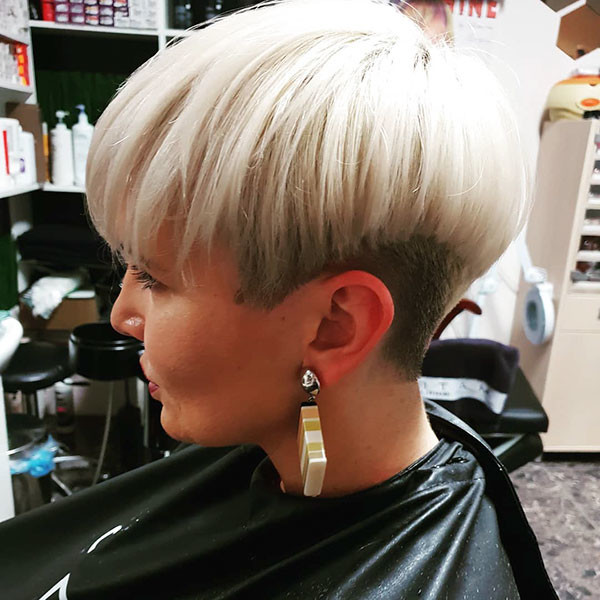Straight-Pixie-Hair Short Straight Hairstyles 2019