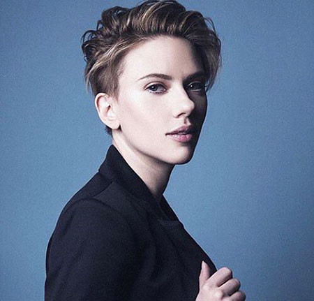 Stylish-Look-1 Scarlett Johansson Short Hairstyles
