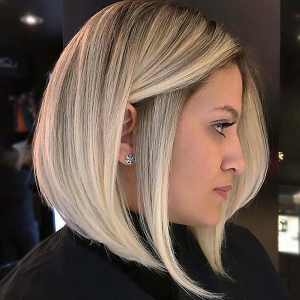 Blonde-Bob-Hair-with-Dark-Roots Popular Bob Hairstyles 2019
