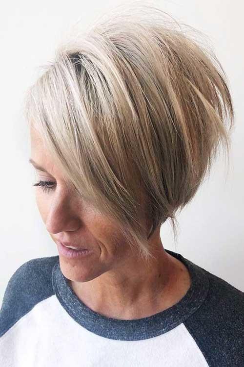 Blonde-Hair-3 Pixie Bob Haircuts for Neat Look