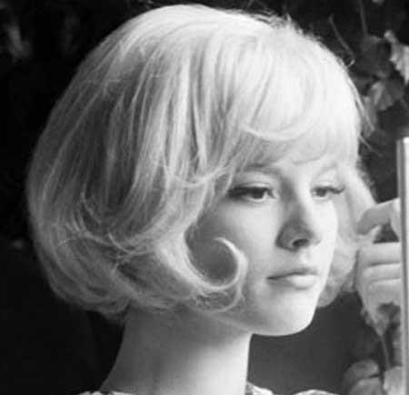Blonde-Voluminous-Straight-Vintage-Hair Vintage Hairstyles Short Hair