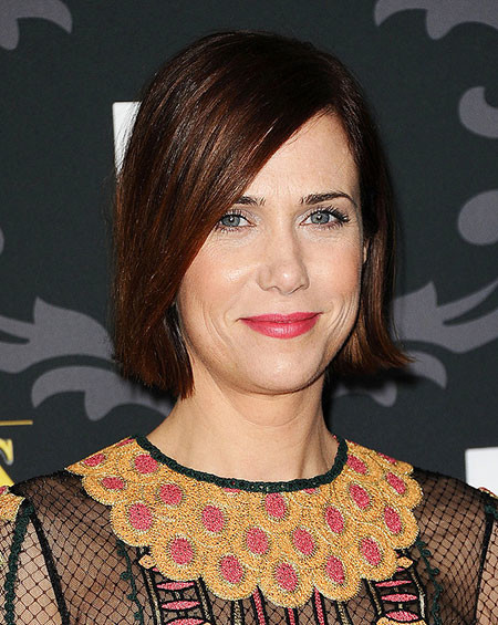 Brown-Colored-Side-Swept-Short-and-Straight-Hairdo Popular Short Straight Hairstyles