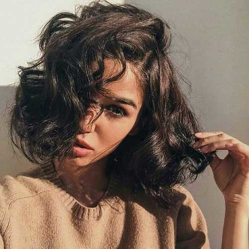 Cute-Curly-Short-to-Medium-Hair Cute Short Hairstyles and Cuts You Have to See