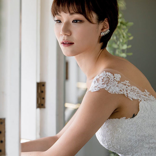 Cute-and-Casual-Pixie Wedding Hairstyles for Short Hair 2019