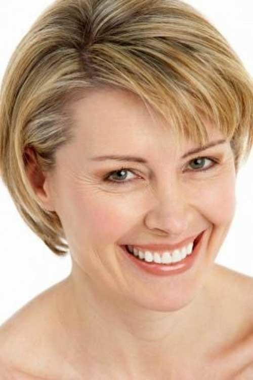 Easy-Straight-Short-Hairstyle-for-Fine-Haircut Short Straight Hairstyles for Fine Hair