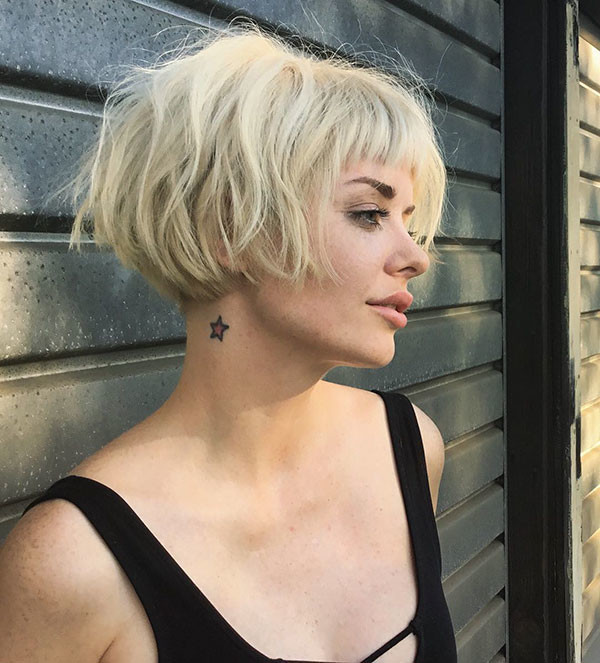 Short-French-Bob-Blonde-Color New Short Blonde Hairstyles