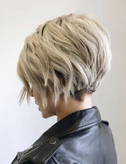 Short-Graduated-Bob Best Short Fine Hairstyles Women 2019
