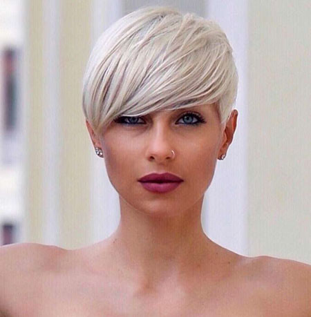 Short-Layered-Hairstyle Short Haircuts for Women with Round Faces