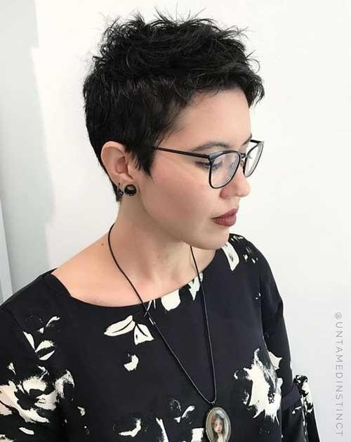 Short-Pixie-Haircut Best Short Fine Hairstyles Women 2019