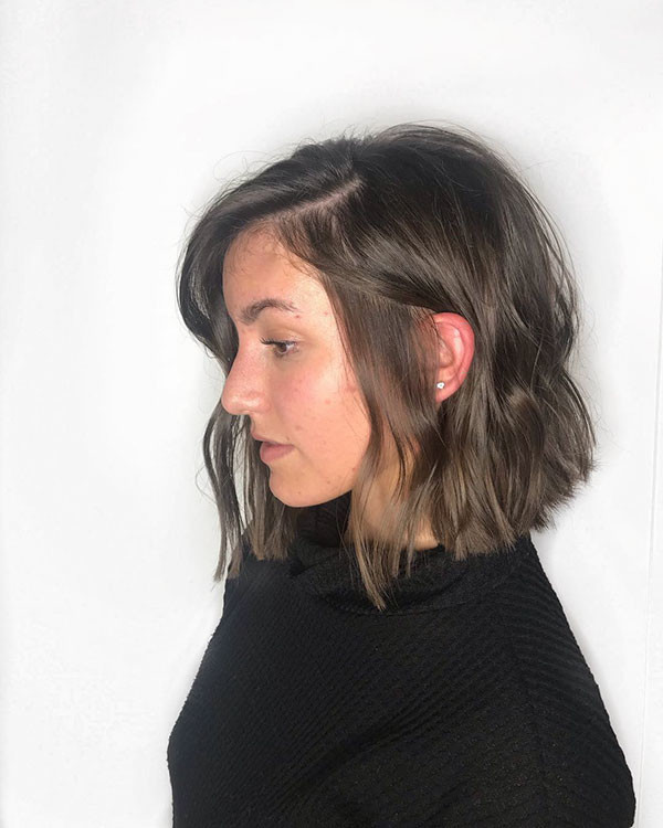 Textured-Medium-Bob Popular Short Hairstyles for Fine Hair