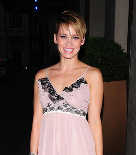 The-Edgy-Straight-and-Short-Hairdo Popular Short Straight Hairstyles