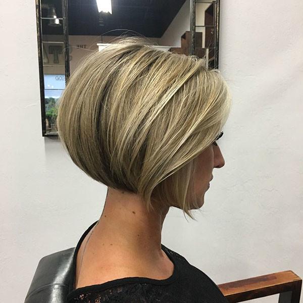Thick-Blonde-Short-Bob Popular Bob Hairstyles 2019
