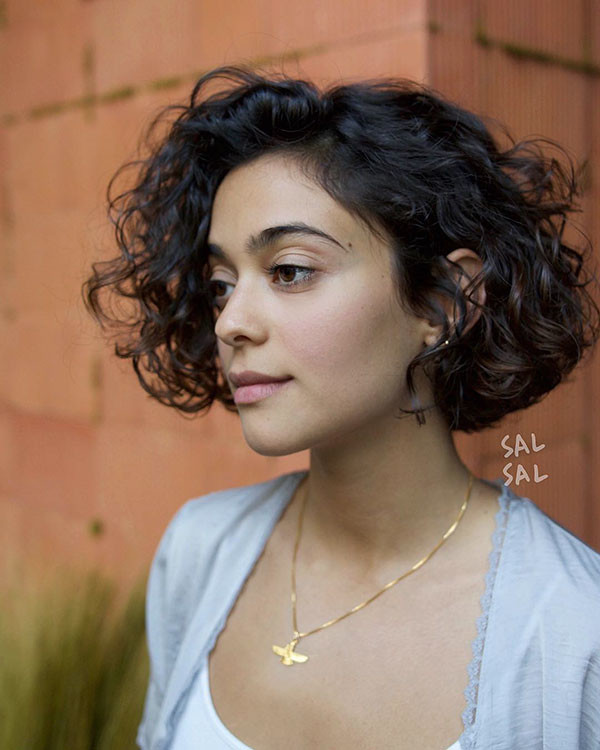 Thick-Bob Best Short Curly Hair Ideas in 2019