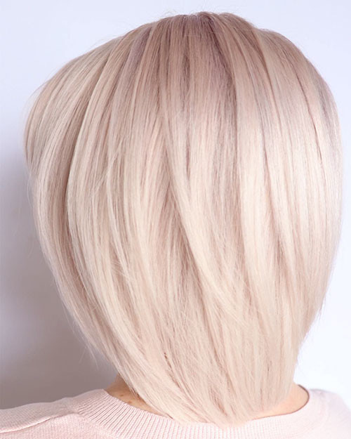 11-blonde-layered-bob Famous Blonde Bob Hair Ideas in 2019