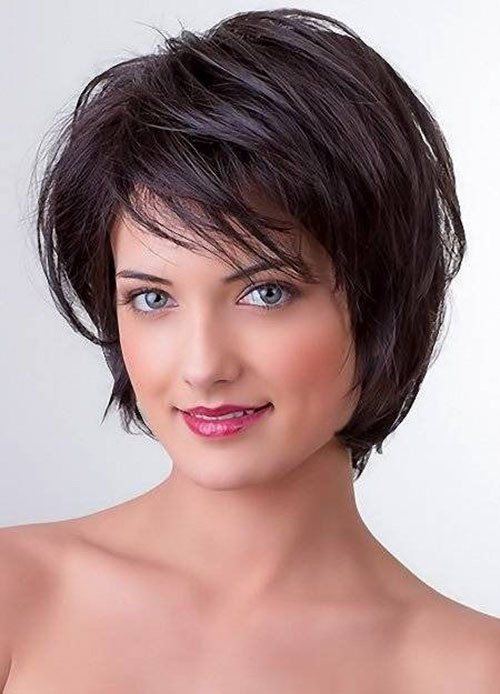 21-layered-bob-with-side-bangs Best Short Layered Bob With Bangs