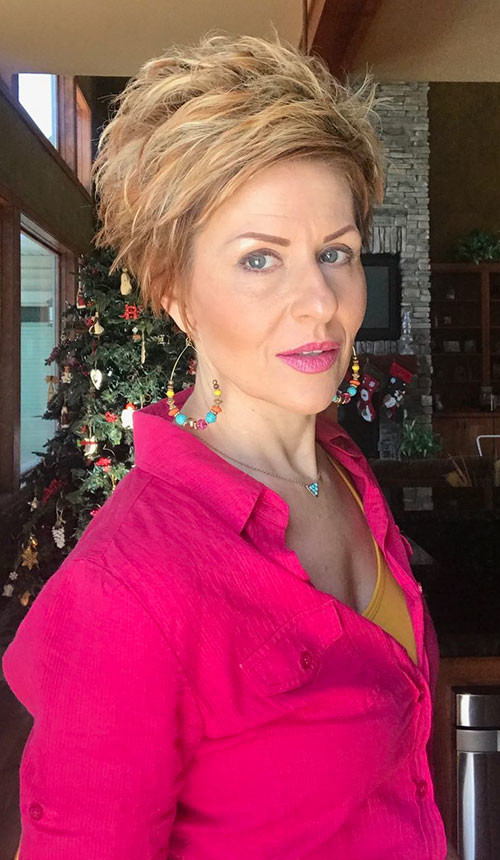 33-pixie-cuts-for-older-women Beautiful Pixie Cuts for Older Women 2019