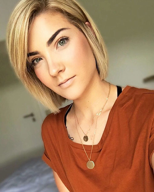 42-short-blonde-bob Famous Blonde Bob Hair Ideas in 2019