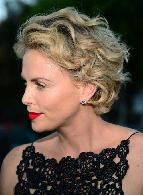 9.Short-Haircut-For-Over-50 Short Haircuts For Over 50