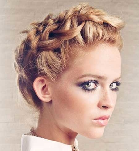 Beautiful-Twisted-Braid-Hairstyle-for-Girls Short Braided Hairstyle