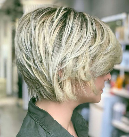 Blonde-Pixie-Bob-Style Latest Short Haircuts for Women 2019