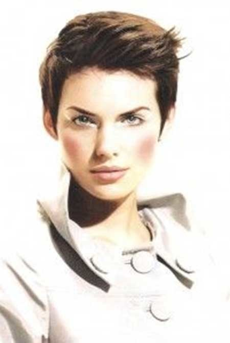 Boyish-Haircut-with-Slightly-Towering-Top Short Pixie Cuts for Women