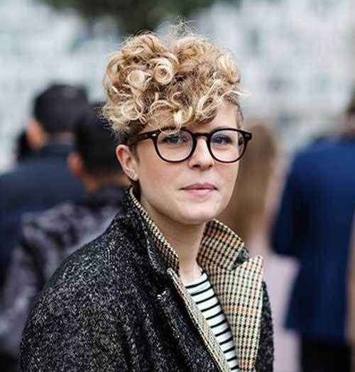 Curly-Top Cute Curly Short Hairstyles for Ladies