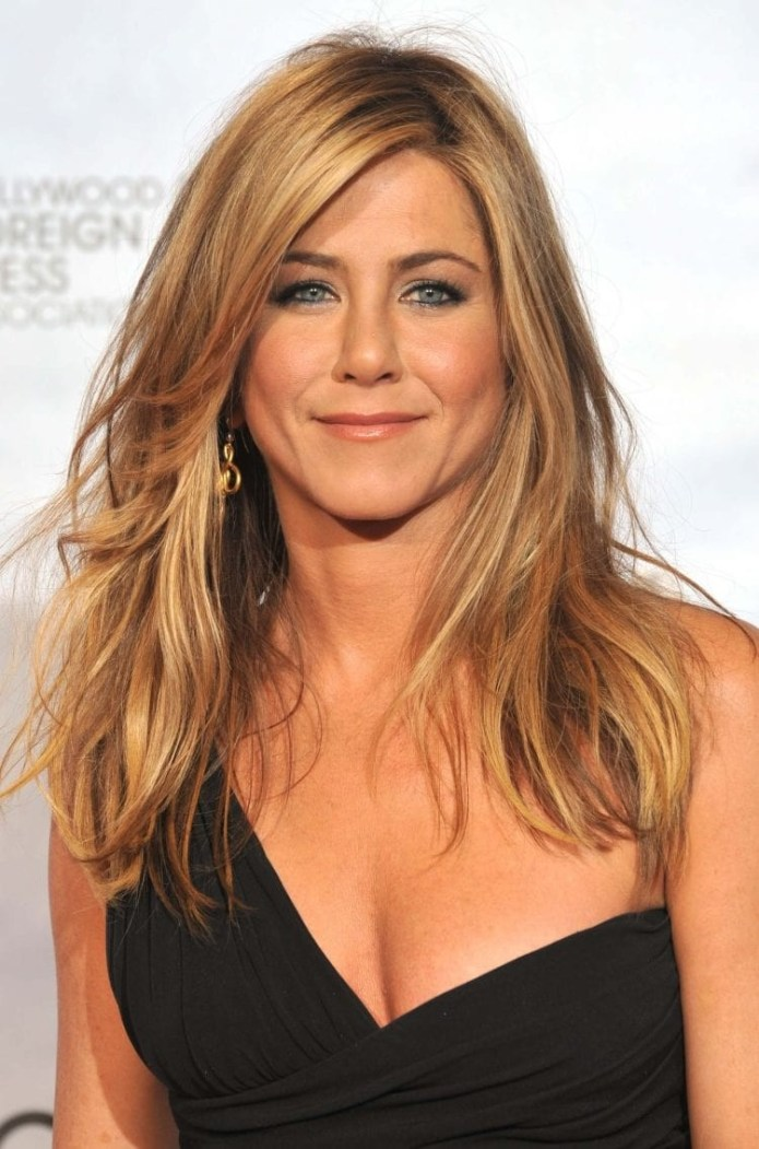 Jennifer-Anistons-Signature-Blonde-Layers Hairstyles for Women Over 40