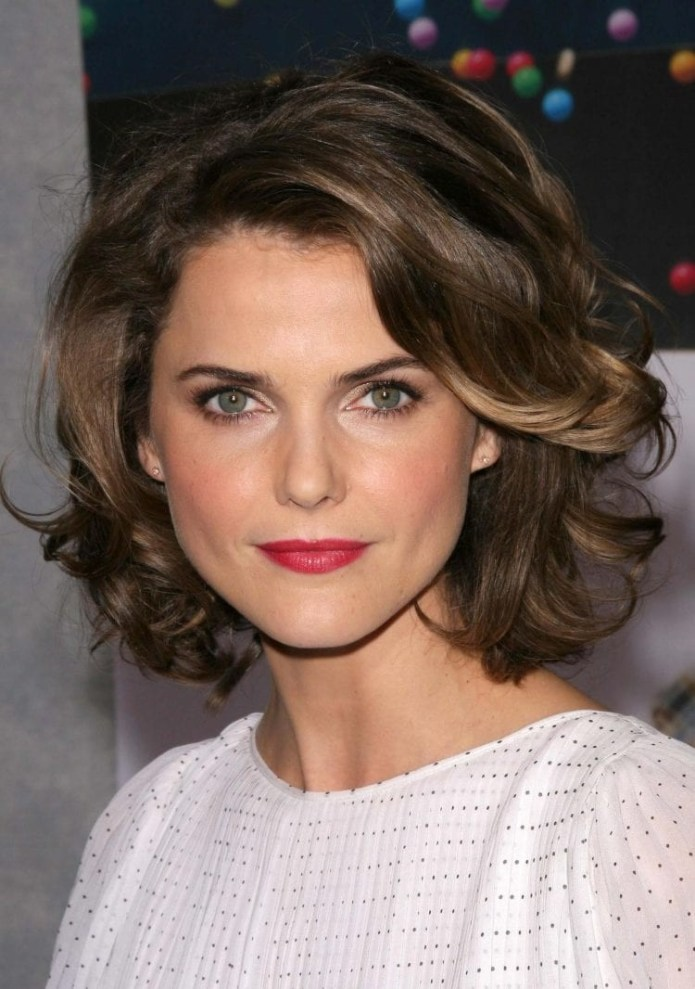 Keri-Russell-Wavy-Bob Hairstyles for Women Over 40