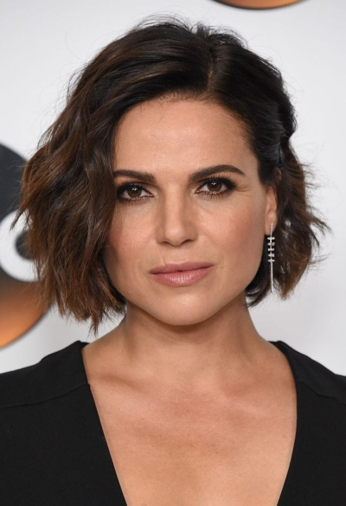Lana-Parrilla-Wavy-Bob Hairstyles for Women Over 40