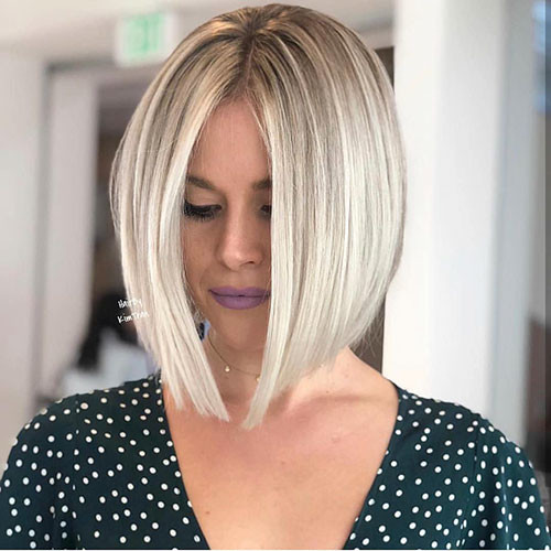 Middle-Part-Bob Famous Blonde Bob Hair Ideas in 2019