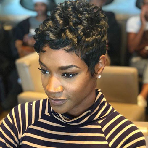 Natural-Curly-Hairstyle Best Short Hair Cuts on Black Women in 2019