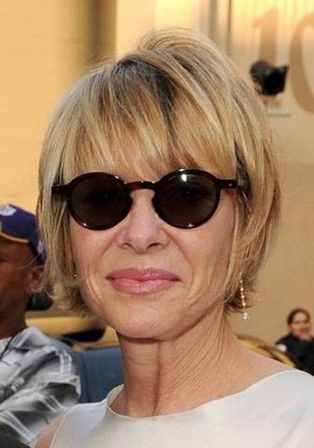 Short-Beautiful-Simple-Bob Short Hair for Older Women
