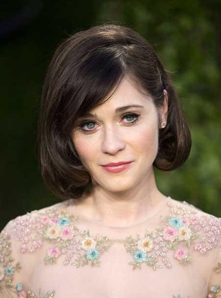 Short-Dark-Vintage-Look Beautiful Short Celebrity Hairstyles