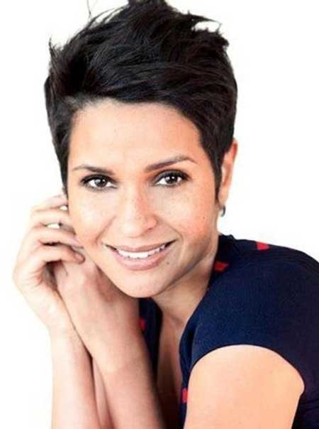Short-Pixie-Hairdo-with-A-Messy-Spiky-Top Short Pixie Cuts for Women