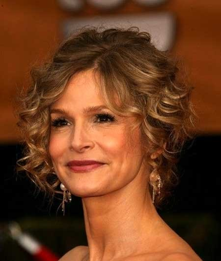 Side-Parted-Short-Curly-Hair-with-Bouncy-Top Short Styles for Curly Hair