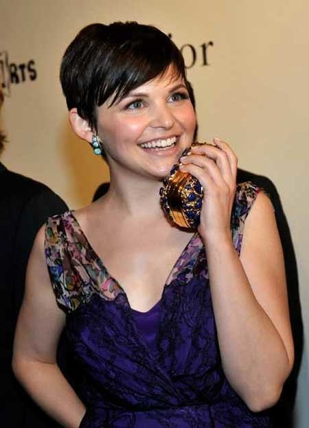 Super-Short-Side-Swept-Pixie-Cut-with-Bangs Short Pixie Cuts for Women