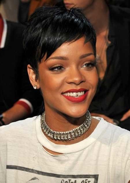 The-Cool-Pixie-Haircut-with-Charming-Jagged-Bangs Nice Short Hairstyles for Black Women