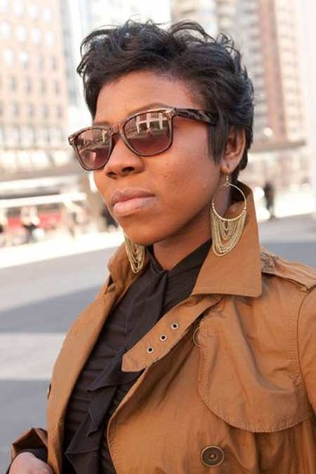 The-Nice-and-Charming-Wavy-Pixie-Hairstyle Nice Short Hairstyles for Black Women