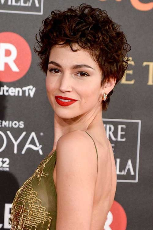 Ursula-Corbero-Short-Hair Cute Curly Short Hairstyles for Ladies